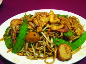 78209 August 2015 - Wine Dine - San Shein Lo Mein
