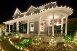 pretty house christmas lights exterior decoration house facade e1447171036335