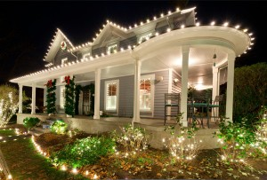 pretty-house-christmas-lights-exterior-decoration-house-facade