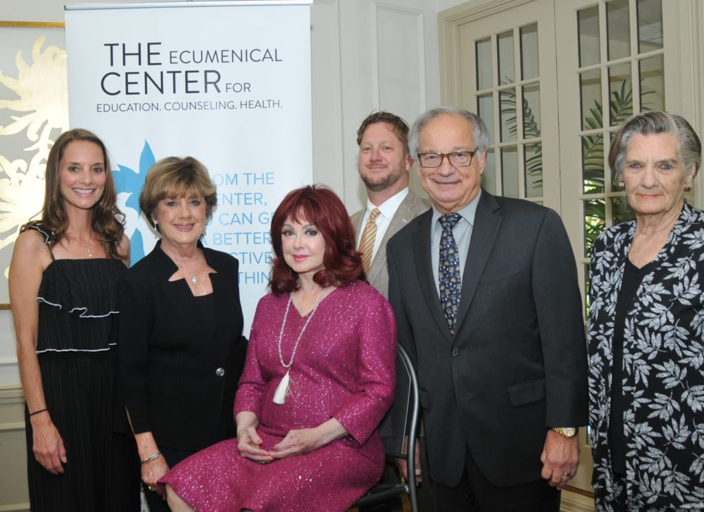 Andrea Potter honoree Mertie Wood speaker Naomi Judd Eric Wood honoree Dale Wood and Diema Carpenter